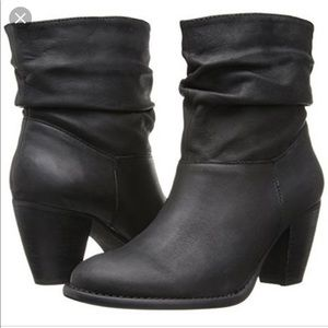 NWT Steve Madden Welded Black Leather Booties